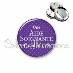 Badge 56mm Aide-soignante qui déchire (087VIO01)