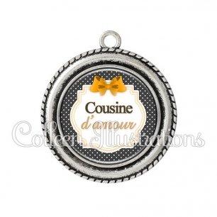 Pendentif résine Cousine d'amour (008NOI11)