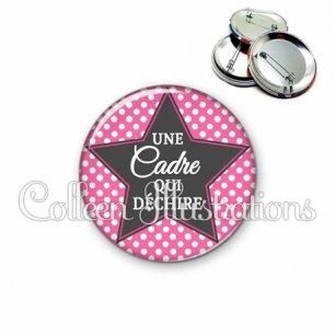Badge 56mm Cadre de santé qui déchire (139ROS01)