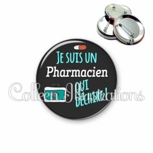 Badge 56mm Pharmacien qui déchire (156GRI01)