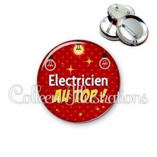 Badge 56mm Electricien au top (159ROU01)