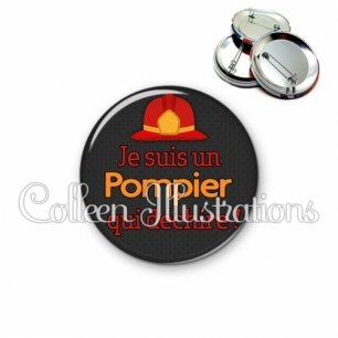 Badge 56mm Pompier qui déchire (160GRI01)
