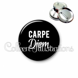 Badge 56mm Carpe diem (181NOI09)