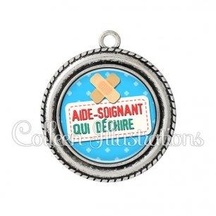 Pendentif résine Aide-soignant qui déchire (003BLE02)