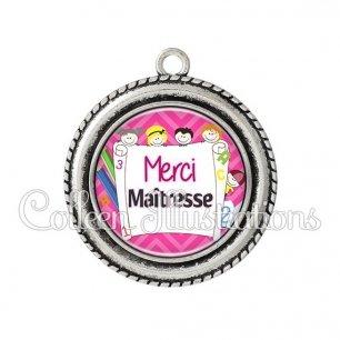 Pendentif résine Merci maîtresse (010ROS01)