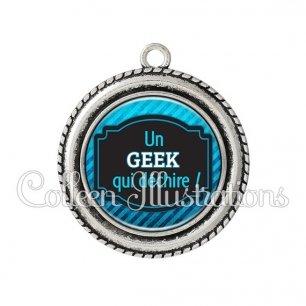 Pendentif résine Geek qui déchire (013BLE03)