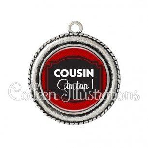 Pendentif résine Cousin au top (013ROU01)