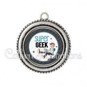 Pendentif résine Super geek (016GRI02)