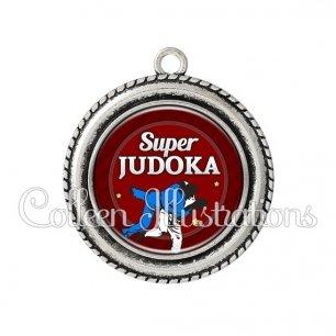 Pendentif résine Super judoka (016ROU02)