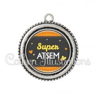 Pendentif résine Super ATSEM (019ORA02)