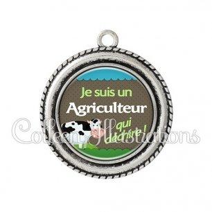 Pendentif résine Agriculteur qui déchire (019VER01)