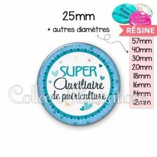Cabochon en résine epoxy Super auxiliaire de puériculture (007BLE01)