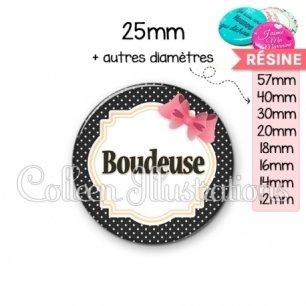 Cabochon en résine epoxy Boudeuse (008NOI01)