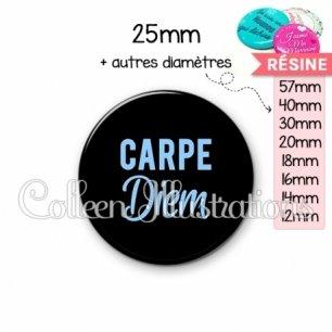 Cabochon en résine epoxy Carpe diem (181NOI03)