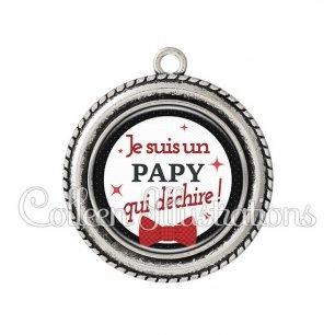 Pendentif résine Papy qui déchire (036NOI01)