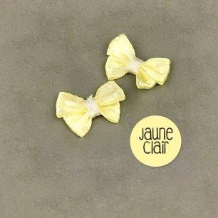 Noeud jaune en tissu
