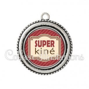 Pendentif résine Super kiné (004ROU01)