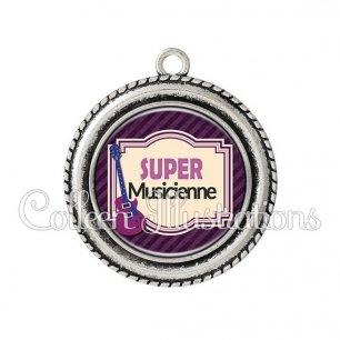 Pendentif résine Super musicienne (004VIO01)