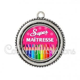 Pendentif résine Super maîtresse (070ROS01)