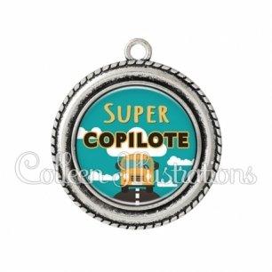 Pendentif résine Super copilote (136VER01)