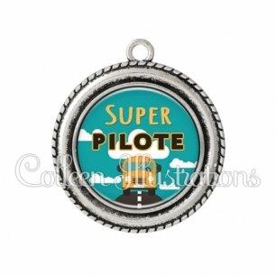 Pendentif résine Super pilote (136VER01)