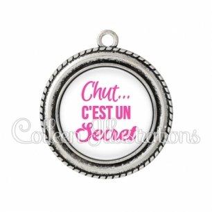 Pendentif résine Chut… c'est un secret (181BLA01)