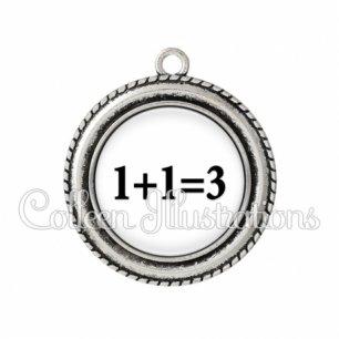 Pendentif résine 1 plus 1 égal 3 (181BLA11)