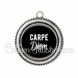 Pendentif résine Carpe diem (181NOI09)