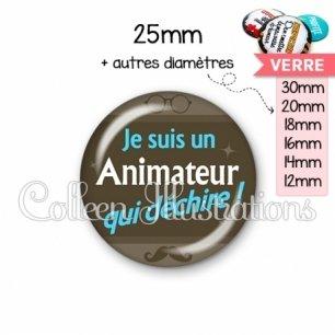 Cabochon en verre Animateur qui déchire (019MAR01)